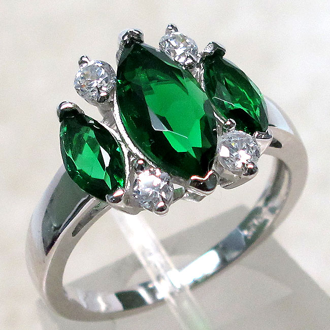 luxurious 3 ct three emerald 925 sterling silver