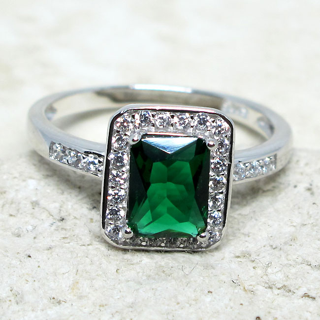 LOVELY 2 CT HEART EMERALD GREEN 925 STERLING SILVER RING SIZE 5-10